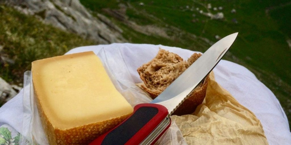 The Best Backpacking Lunch Ideas With No Cooking_Trekkerr